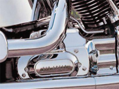 エンジン・トランスミッション・インターフェースカバー取り付け('07~ソフテイル)